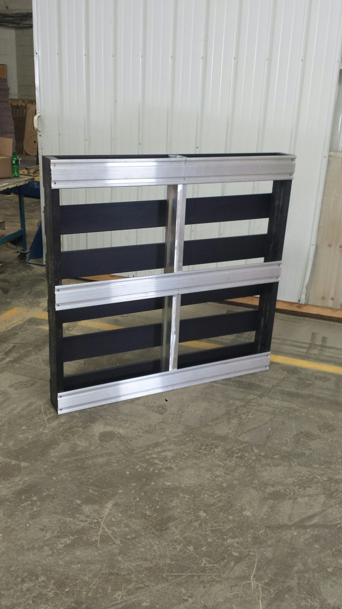 BDL Supply - custom pallets made of metal, plastic, or corrugate.